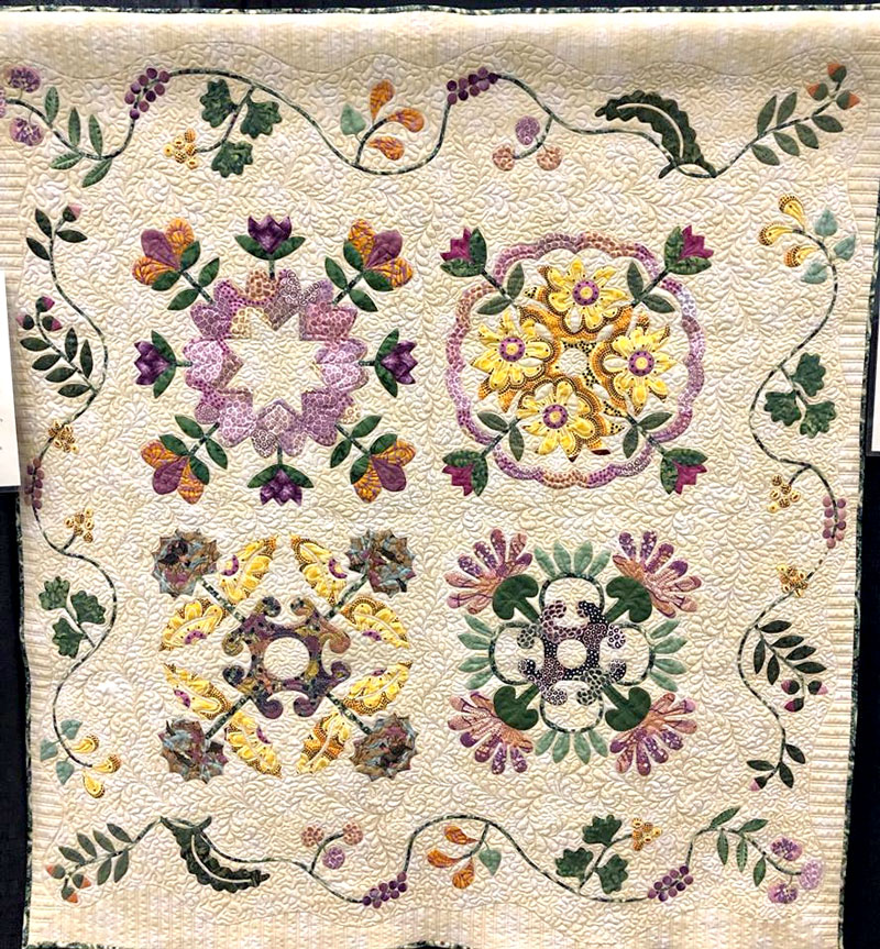Mary Down Under No. 3, hand appliqued by Barbara G. Buchanan, machine quilted by Maria O'Haver