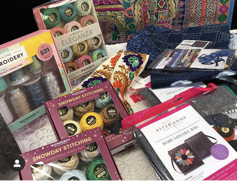 WonderFil Specialty Threads thread packs with Aster & Anne kits