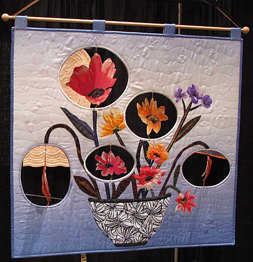 When Flowers Party, kinetic quilt by Linda Cooper