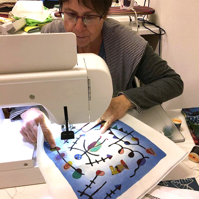 Liz Kettle of Textile Evolution participating in the WonderFil Specialty Threads Education Summit
