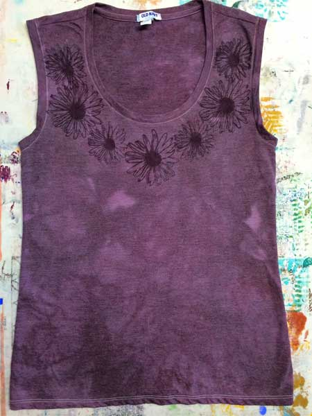 Color Magnet T-shirt after dyeing